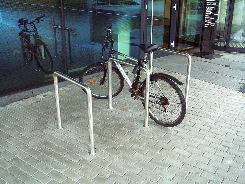 20101013-stovas-dviraciams-1.jpg