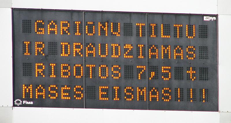 20120223-tekstai-eismo-svieslentems-02.jpg