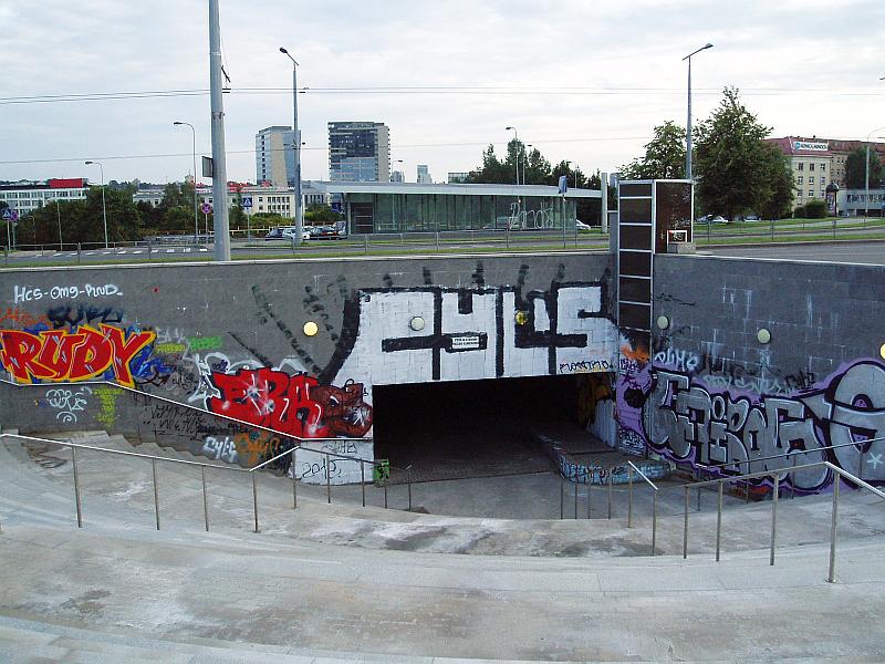 20120820-vietos-vilniuje-piesti-graffiti-laisvai-02.jpg