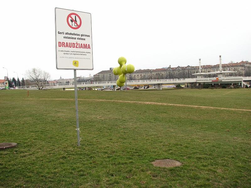 20120821-dvi-informacines-iskabos-prie-baltojo-tilto-01.jpg