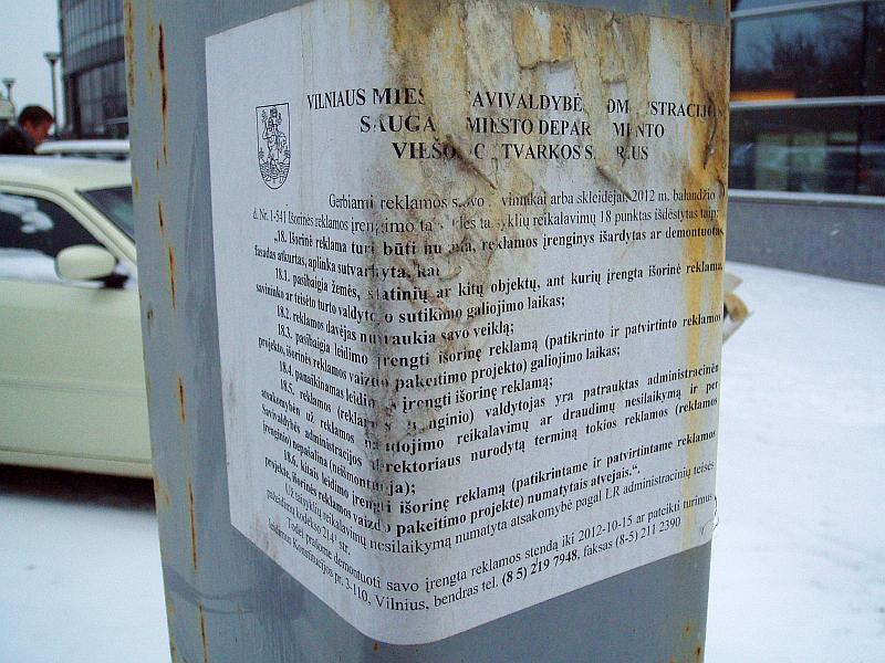 20130314-vilniaus-savivaldybe-vs-nelegalus-reklamos-stendai-02.jpg