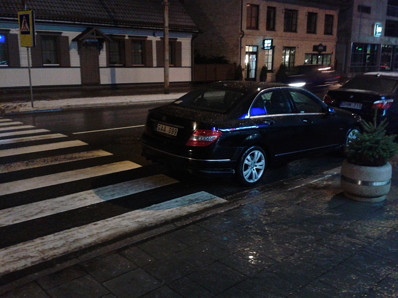 20160309-automobiliais-uzstatoma-pesciuju-pereja-prie-kestucio-37-05.jpg
