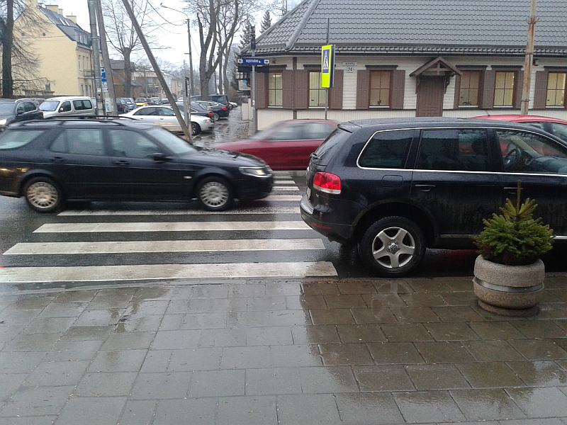20160309-automobiliais-uzstatoma-pesciuju-pereja-prie-kestucio-37-06.jpg